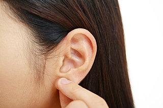 寒い時に体の中からじんわり温めてくれる、耳ツボマッサージ