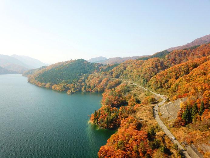 爽やかな秋の空気を満喫♪湖畔散策へ~西日本編~