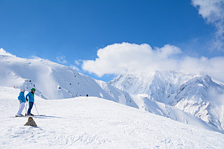 今年はどこへ行く?地元で人気のスキー場4選《東北編》
